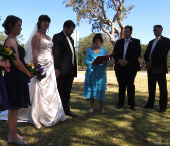 Commitment Ceremony Burswood, Wedding Officiant Belmont, Wedding Celebrant Welshpool